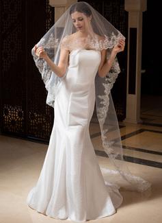 Uma camada Catedral véus de noivas com Borda com aplicação de renda (006035833)