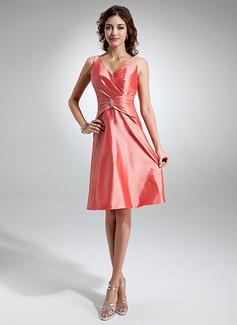 A-Line/Princess V-neck Knee-Length Taffeta Bridesmaid Dress With Ruffle Crystal Brooch (007006369)