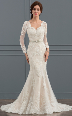 Trumpet/Mermaid V-neck Court Train Tulle Wedding Dress With Beading (002127260)