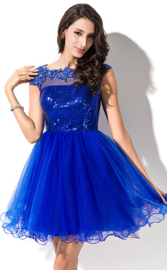 A-Line/Princess Scoop Neck Short/Mini Tulle Sequined Prom Dress With Beading Appliques Lace (018046234)