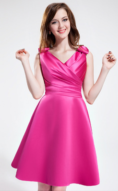 A-Line/Princess V-neck Knee-Length Satin Bridesmaid Dress With Ruffle Bow(s) (007025364)