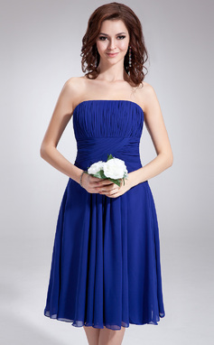 A-Line/Princess Strapless Knee-Length Chiffon Bridesmaid Dress With Ruffle (007020862)