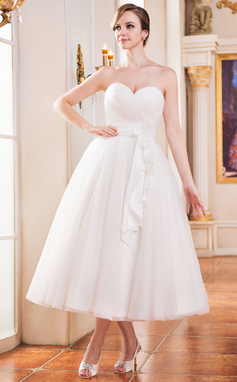 A-Line/Princess Sweetheart Tea-Length Tulle Wedding Dress With Ruffle Flower(s) (002052651)