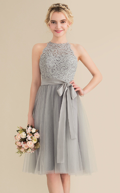 A-Line/Princess Scoop Neck Knee-Length Tulle Lace Homecoming Dress With Bow(s) (022165795)