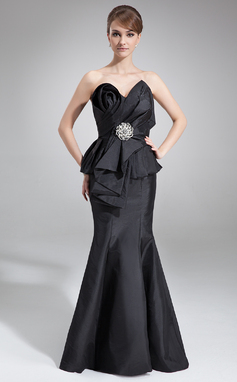 Trumpet/Mermaid Scalloped Neck Court Train Taffeta Mother of the Bride Dress With Cascading Ruffles (008006459)