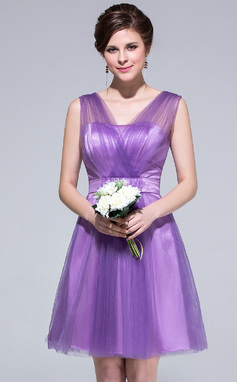 A-Line/Princess V-neck Knee-Length Tulle Bridesmaid Dress With Ruffle (007037279)