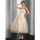 Трапеция/Принцесса Без лямок Длина ниже колен Тюль Свадебные Платье с Рябь кружева Бисер Цветы (002014765)