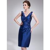 Платье-чехол V-образный Длина до колен Тафта Коктейльные Платье с Рябь Бисер (016021247)