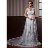 Трапеция/Принцесса V-образный Церковный шлейф Тюль Свадебные Платье с кружева Бисер (002011532)