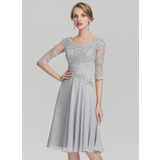 A-Line/Princess Scoop Neck Knee-Length Chiffon Mother of the Bride Dress With Ruffle Appliques Lace (008139171)