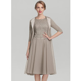 A-Line Scoop Neck Knee-Length Chiffon Lace Mother of the Bride Dress (008131926)