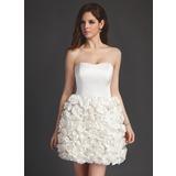 Трапеция/Принцесса В виде сердца Мини-платье Атлас Свадебные Платье с Цветы (002011514)