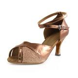 Mulher Imitação de couro Espumante Glitter Saltos Sandálias Latino com Correia de Calcanhar Sapatos de dança (053013027)