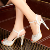 Женщины кожа Высокий тонкий каблук Сандалии Платформа Открытый мыс с горный хрусталь обувь (117125180)