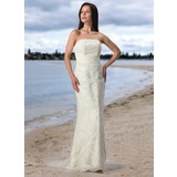 Sheath/Column Strapless Court Train Tulle Lace Wedding Dress (002005197)