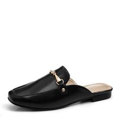 Женщины PU Плоский каблук На плокой подошве Закрытый мыс Босоножки с Цепь обувь (086156511)