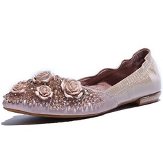 Real Leather Flat Heel Flats Closed Toe With Rhinestone Flower shoes (086046384)