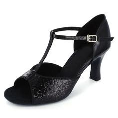 Vrouwen Sprankelende Glitter Patent Leather Hakken Latijn met T-Riempjes Dansschoenen (053021933)