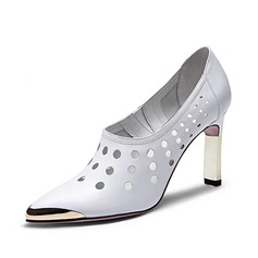 Couro verdadeiro Salto agulha Bombas Fechados sapatos (085062180)