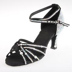 Женщины Атлас На каблуках Сандалии Латино с горный хрусталь Ремешок на щиколотке Обувь для танцев (053018643)