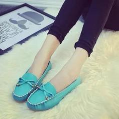 Женщины PU Плоский каблук На плокой подошве Закрытый мыс с бантом обувь (086142411)