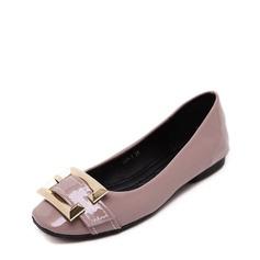 Женщины PU Плоский каблук На плокой подошве Закрытый мыс с пряжка обувь (086139678)