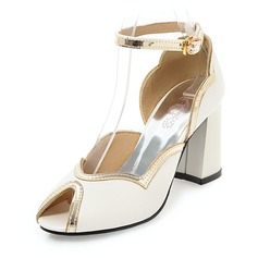 Женщины Лакированная кожа Устойчивый каблук Сандалии На каблуках с пряжка обувь (087155487)