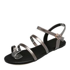 Женщины Лакированная кожа Плоский каблук Сандалии На плокой подошве обувь (087157101)