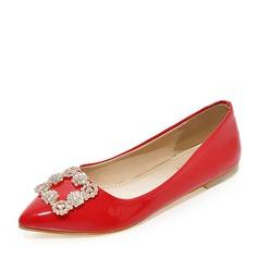 Женщины Лакированная кожа Плоский каблук На плокой подошве Закрытый мыс с горный хрусталь обувь (086141396)