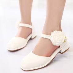 Jentas Lukket Tå Leather lav Heel Pumps Flower Girl Shoes med Velcro Blomst (207153566)