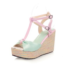 Konstläder Kilklack Sandaler Pumps Plattform Peep Toe Slingbacks med Spänne skor (087048917)