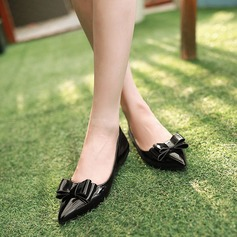 Women's Patent Leather Flat Heel Flats Closed Toe With Bowknot shoes (086145713)