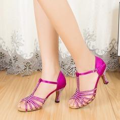 Женщины Атлас На каблуках На каблуках Латино с горный хрусталь Т-ремешок Обувь для танцев (053067458)