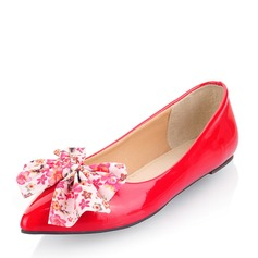 Женщины Лакированная кожа Плоский каблук На плокой подошве Закрытый мыс с Атласный бант обувь (086141395)