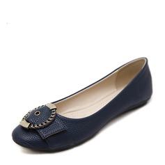 Женщины PU Плоский каблук На плокой подошве Закрытый мыс с пряжка обувь (086138731)