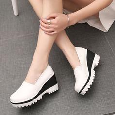 Женщины кожа Вид каблука Закрытый мыс Танкетка с Соединение врасщеп обувь (086119386)