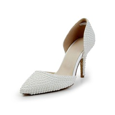 Vrouwen Patent Leather Cone Heel Closed Toe Pumps met Imitatie Parel (047029140)