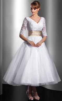 Corte de baile Escote en V Hasta la tibia Tul Vestido de novia con Fajas Cuentas Los appliques Encaje (002014739)