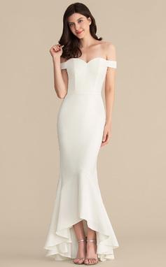 Corte trompeta/sirena Fuera del hombro Asimétrico Crepé Elástico Vestido de novia (002207450)