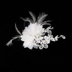 Upea Feather/Pitsi Kammataan ja baretti/Kukkia ja höyhenet jossa Venetsialaine Helmi (042012232)
